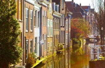 Borrelvaart in Delft